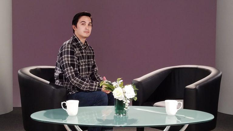 SMT Talk show set 2 person A